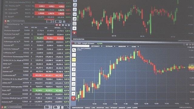 株価は上下する